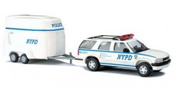 Chevrolet Blazer + Pferdeanhänger NYPD